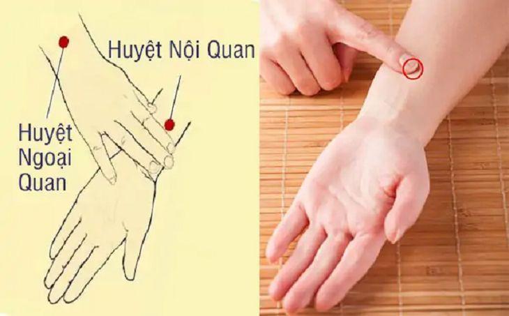 cách bấm cổ tay tại huyệt nội quan