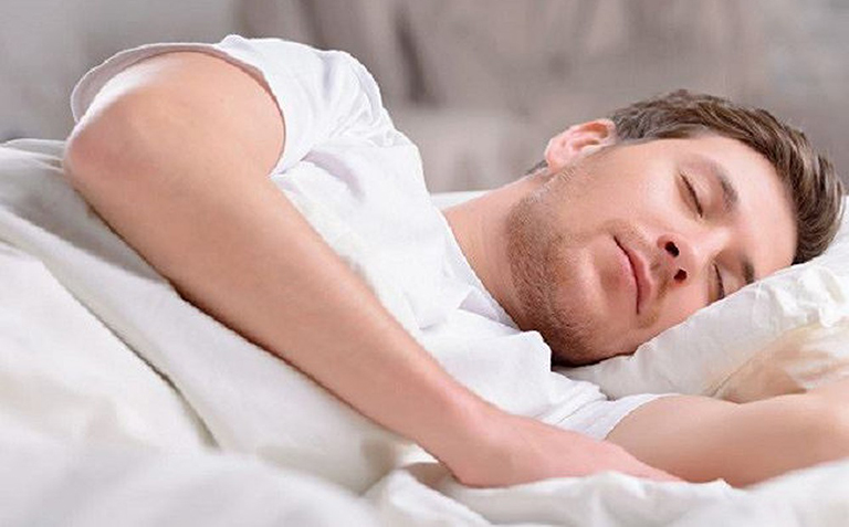 Nam giới cần ngủ đủ giấc